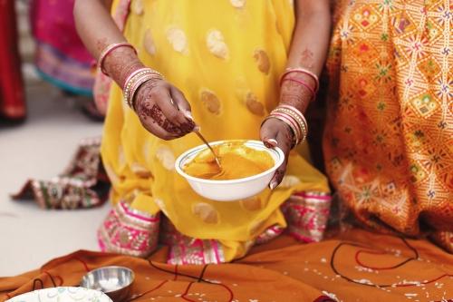 le-curcma-épice-traditionnelle-de-layurveda-et-ingrédient-star-du-lait-dor.jpg