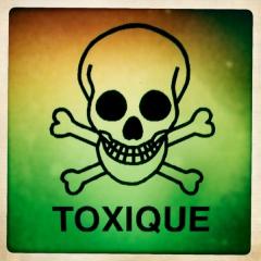 Gens-toxiques-tete-de-mort.jpg