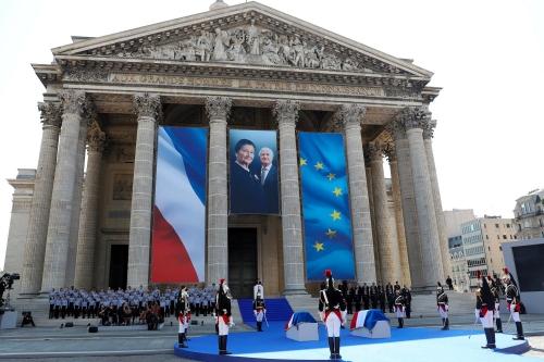 Simone-Veil-au-Pantheon-une-decision-de-tous-les-Francais-pour-Macron.jpg